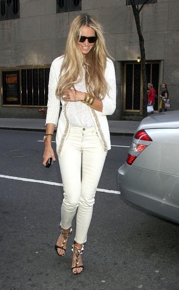 2.pantaloni albi