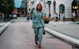 Cum arată costumul feminin modern